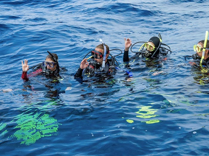 sailing-club-divers-PADI-dive-center-nha-trang-scuba-diving-courses-fun-dive-vietnam-PADI-Divemaster-Course-Internship-Nha-Trang