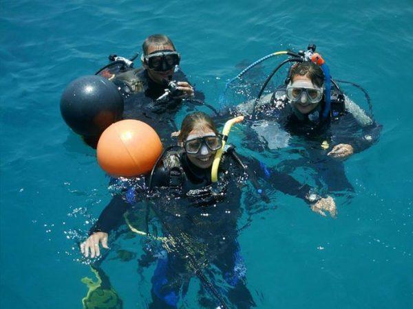 sailing-club-divers-PADI-dive-center-nha-trang-scuba-diving-courses-fun-dive-vietnam-PADI-Open-Water-Course-Nha-Trang-Divers