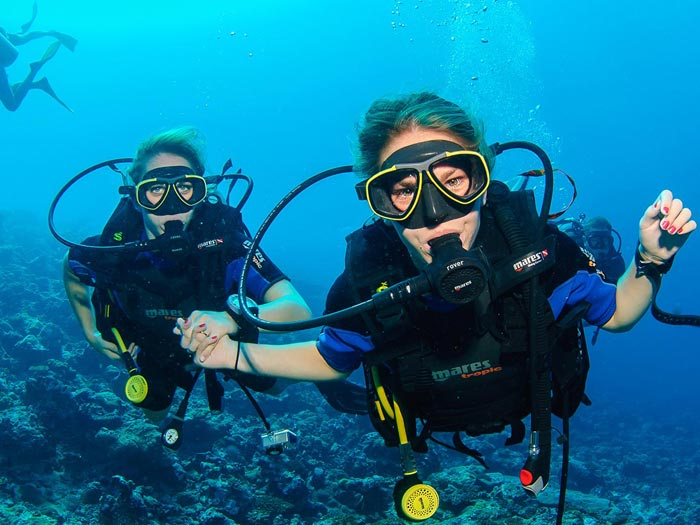 sailing-club-divers-PADI-dive-center-nha-trang-scuba-diving-courses-fun-dive-vietnam-discover-scuba-diving