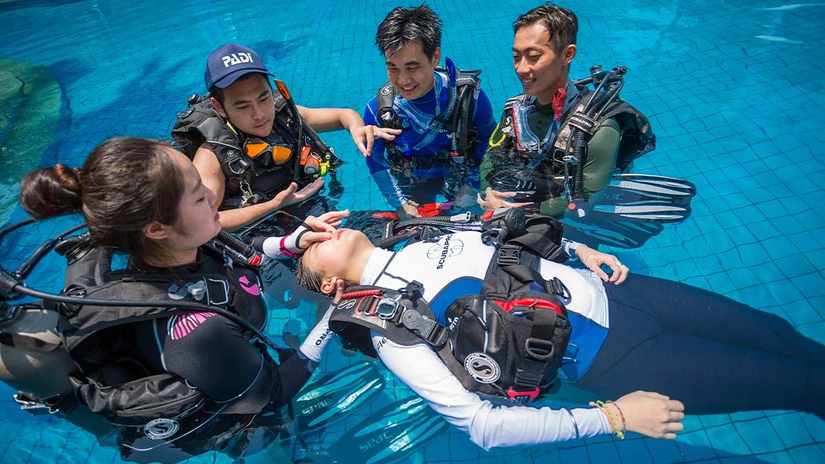 PADI eLearning Nha Trang Sailing Club Divers - Rescue Diver Course